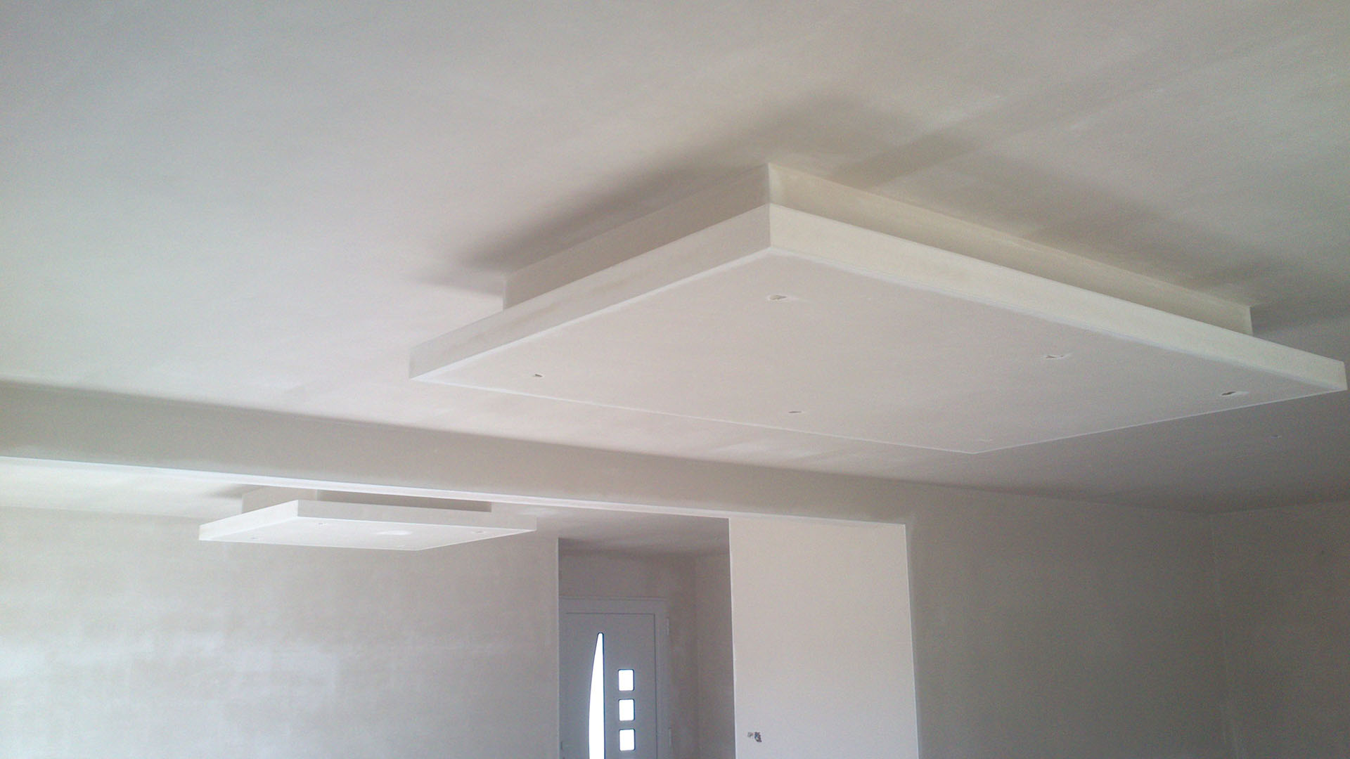 Platrier brest finist re 29 iroise platrerie for Modele de plafond decoratif